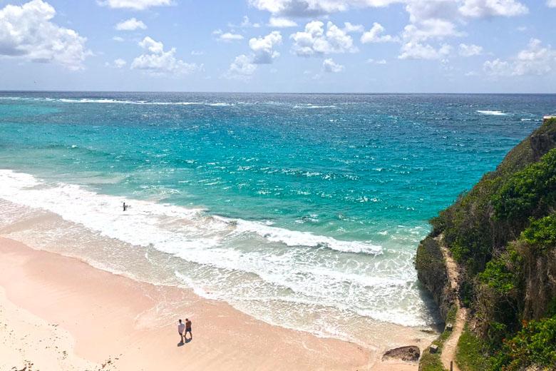 Como não amar essa praia deserta?