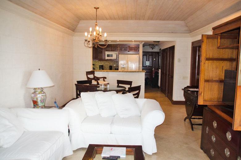 Uma vista geral do quarto, que é enorme!