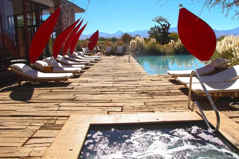 Jacuzzi ou piscina? Como prefere relaxar?