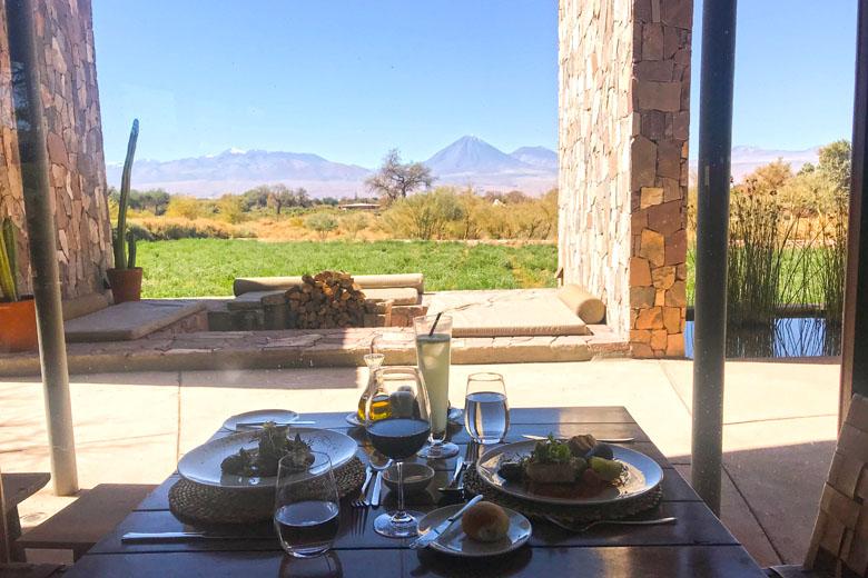 Que tal um almoço com vista para o vulcão?