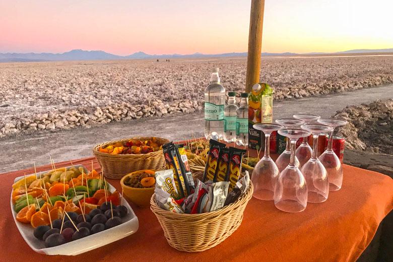 Lanche preparado pelo hotel para assistir ao pôr do sol no Salar do Atacama.