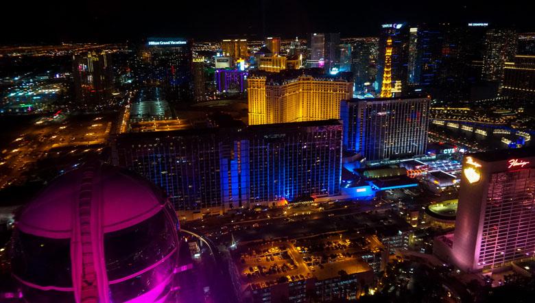 O visual de Las Vegas à noite é de tirar o fôlego.