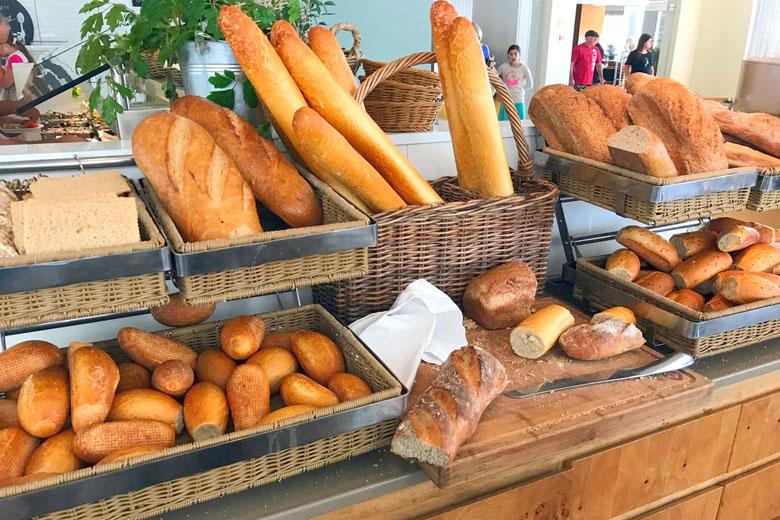 Café da manhã israelense - pães