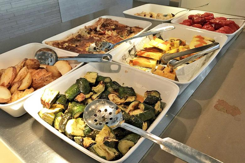 Café da manhã israelense - legumes