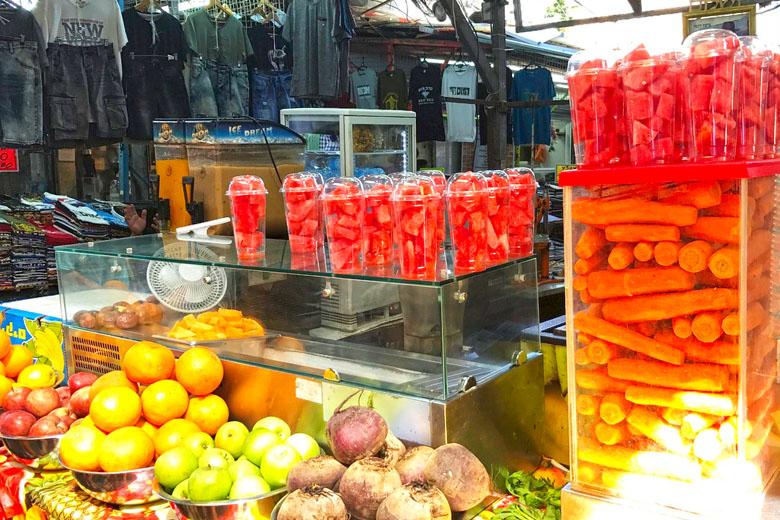 Quiosque de sucos naturais no Carmel Market, em Tel Aviv