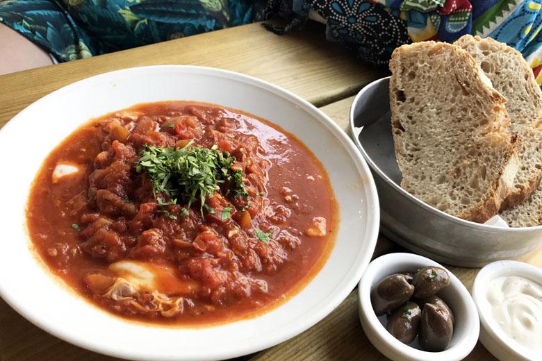 Shakshuka, prato à base de ovos e molho de tomate