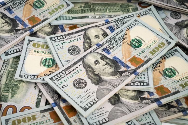 Os dólares americanos são aceitos em praticamente todos os países.