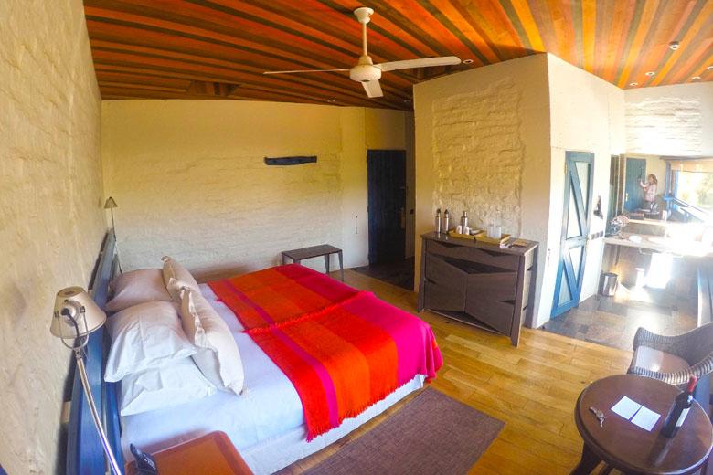 Um pouco mais da decoração dos quartos do explora Atacama, combinando perfeitamente com o clima local.
