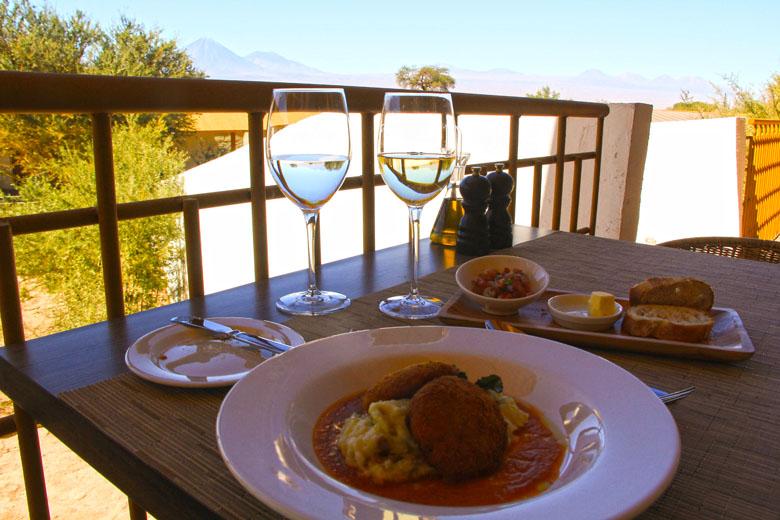 Almoço com vista para o deserto.