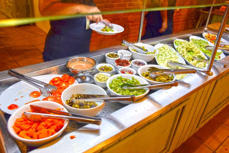 Restaurante Antúrios - bufê de saladas