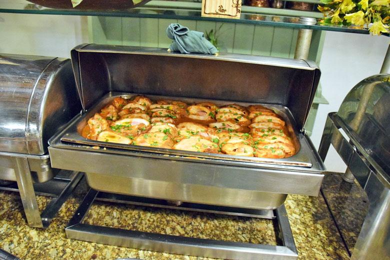 Restaurante Antúrios - bufê de pratos quentes