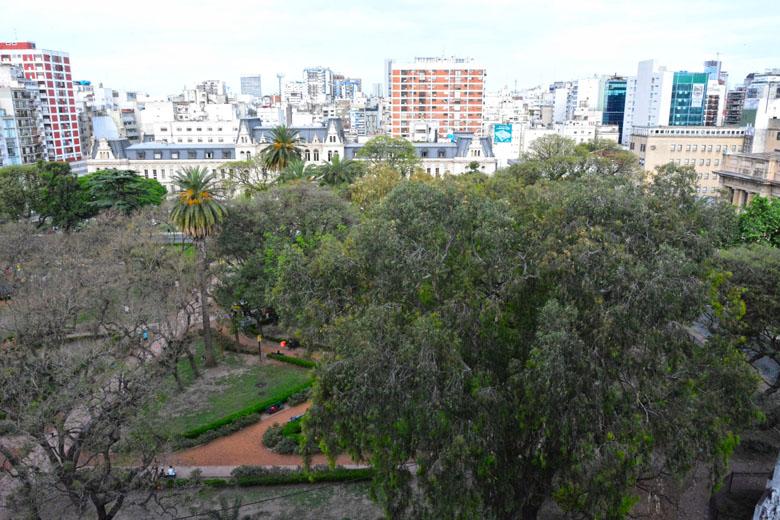 Vista da Suíte Deluxe do Palladio Hotel Buenos Aires MGallery by Sofitel.