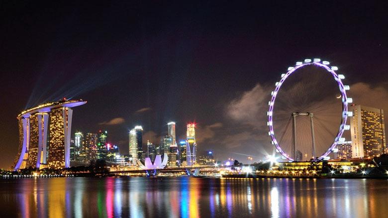 A roda-gigante Singapore Flyer.