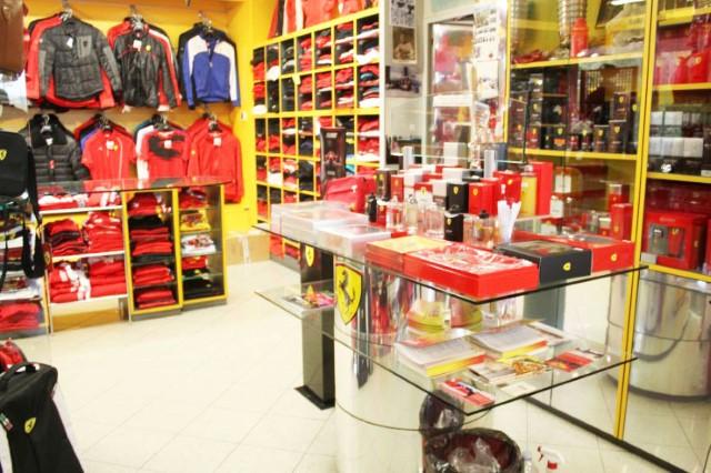 cdfb54efc9 Advinha com a nacionalidade campeã em aluguel de Ferraris na loja? Pensou  em brasileiros? Acertou! Nosso povo é realmente apaixonado por velocidade!