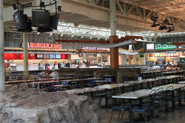 Jersey gardens outlet mall falando de viagem for Jersey gardens mall restaurants